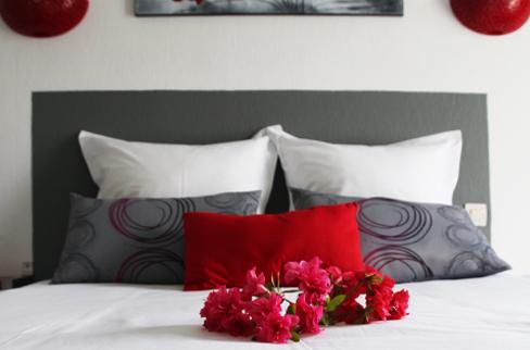 Hotel, chambre de 1 à 5 personnes, chambres climatisées, piscine, spa, aire de jeux enfants, proche, claouey, l'Herbe, Le Canon, Piraillan Cap Ferret, Piquey, gironde 33