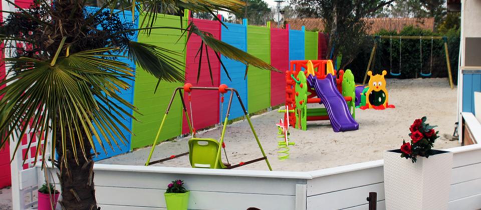 Hotel avec piscine, spa, aire de jeux enfants, à mi chemin, Arès, Bassin d'Arcachon, andernos, Lacanau ocean, lacanau ville, lacanau,