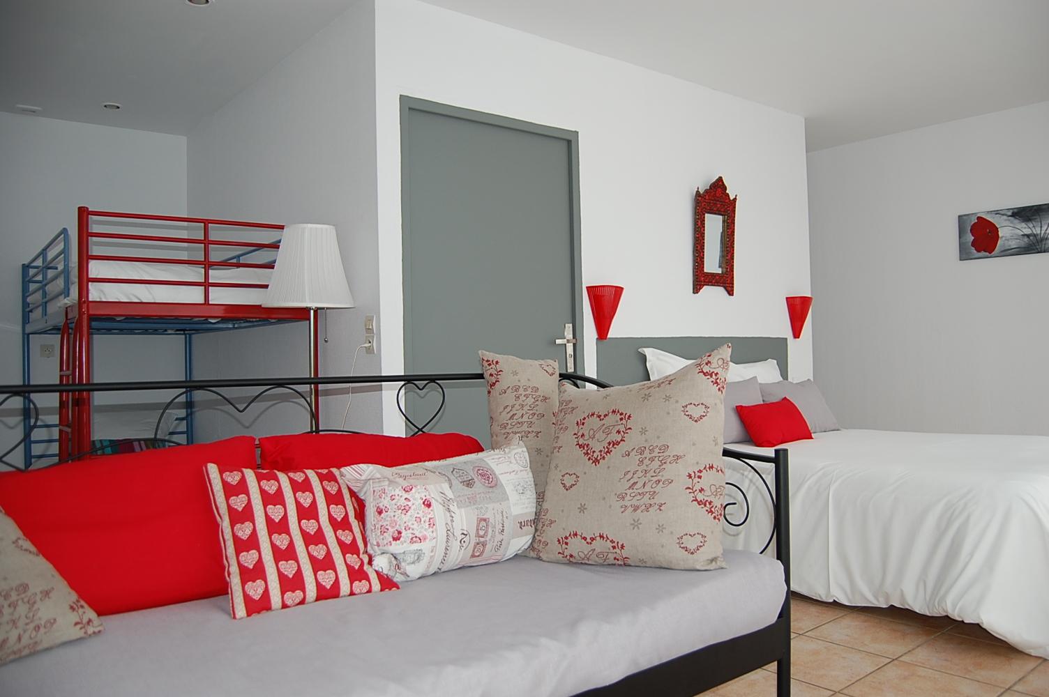 chambre familiale 4 5 personnes haute saison hotel du porge hotel bassin d 39 arcachon lacanau. Black Bedroom Furniture Sets. Home Design Ideas